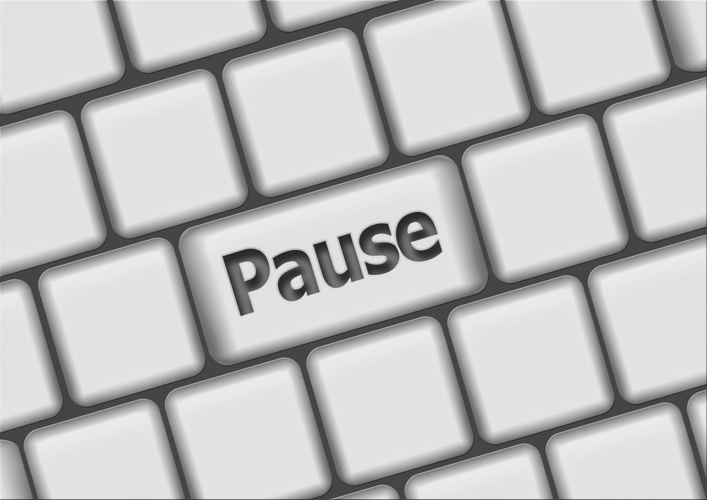 Pause for mindfulness benefits